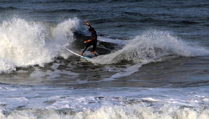 surf camp pecatu