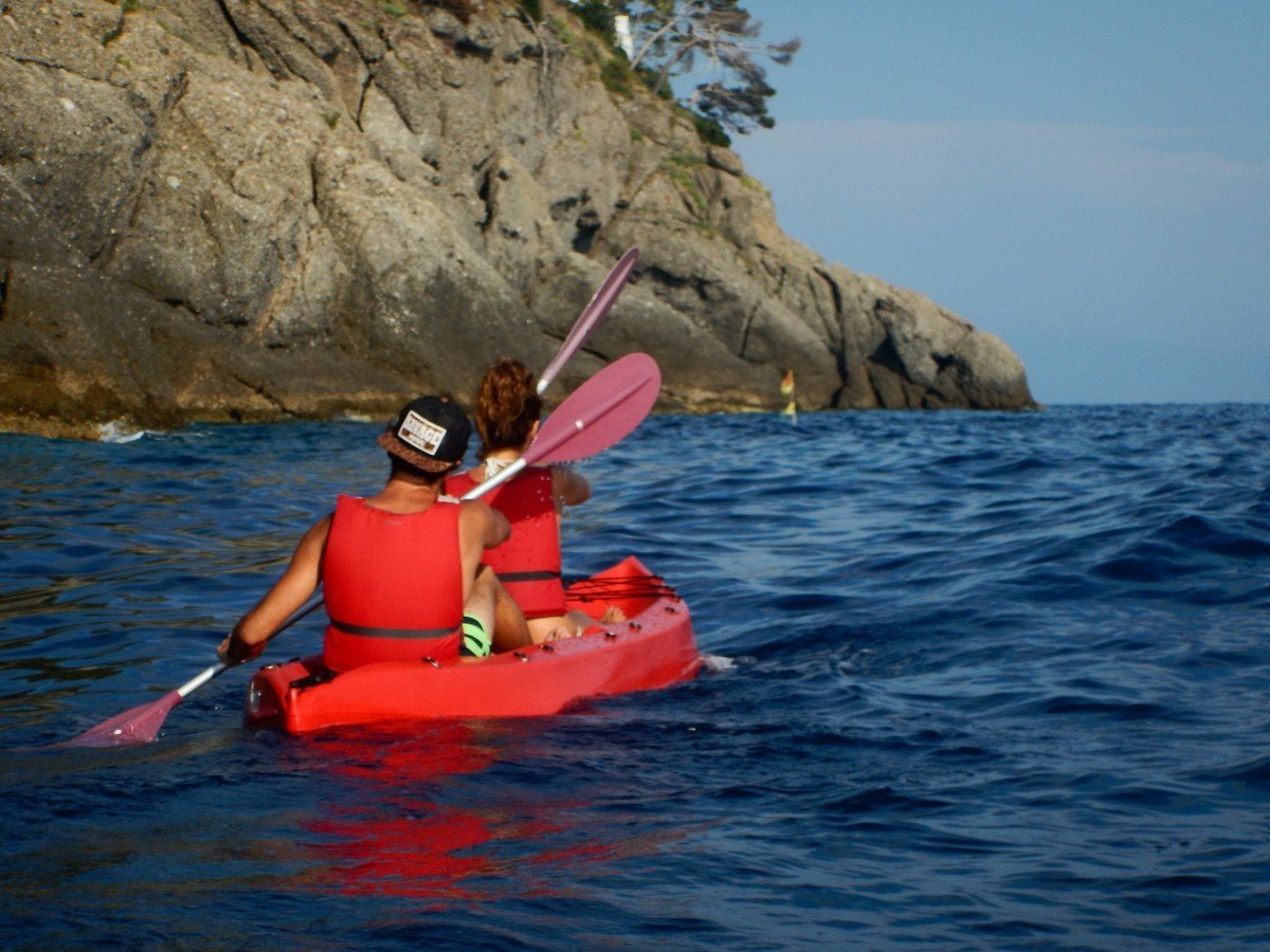 Sunset Kayak & Wine Tour in Portofino