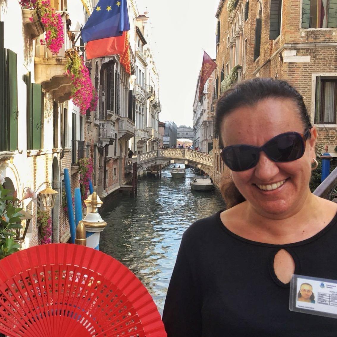 Ponchia Chiara Tour Guide